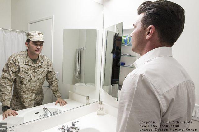 derriere-uniforme-militaire-09