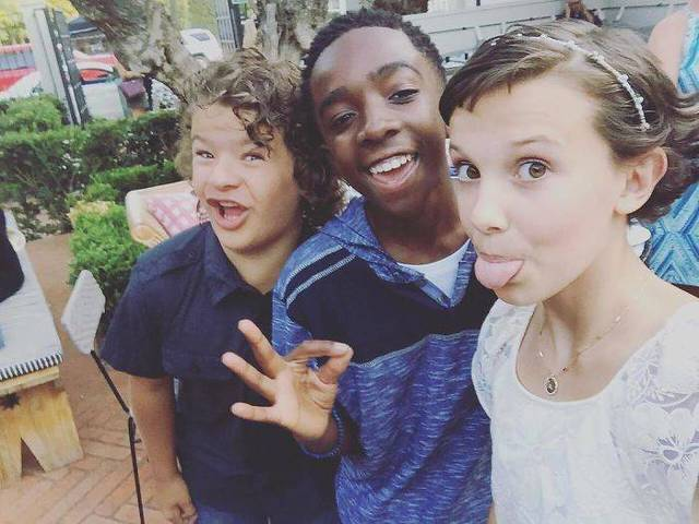 enfants-stranger-things-hors-camera-06
