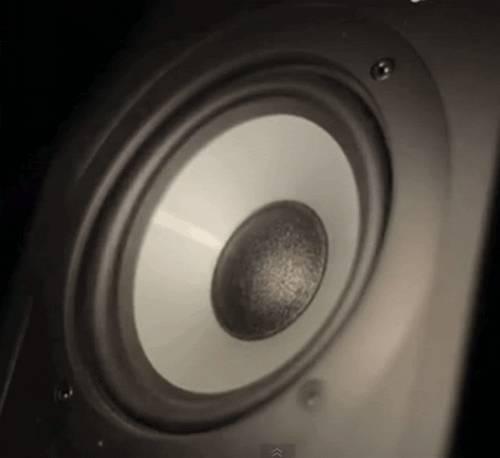 haut-parleur-slowmotion