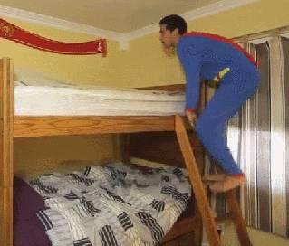 superman-saute-lit