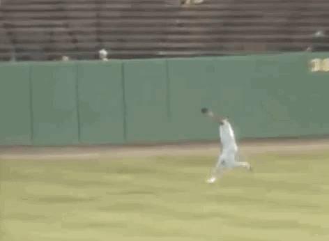 wall-run-baseball