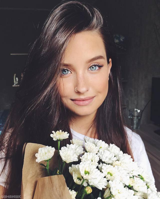 katya-miro-fleurs