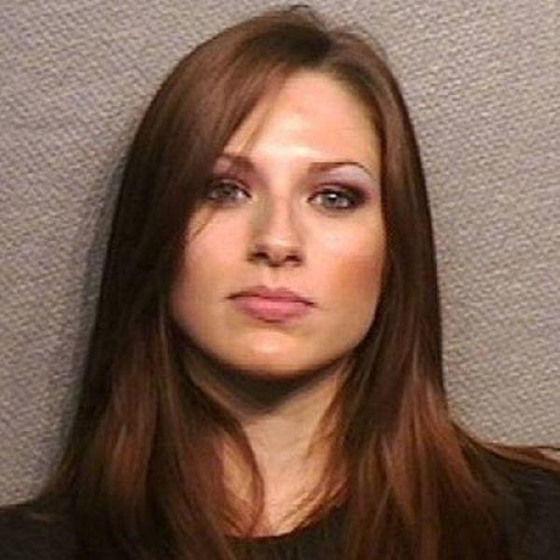 photos-arrestations-jolies-filles-07