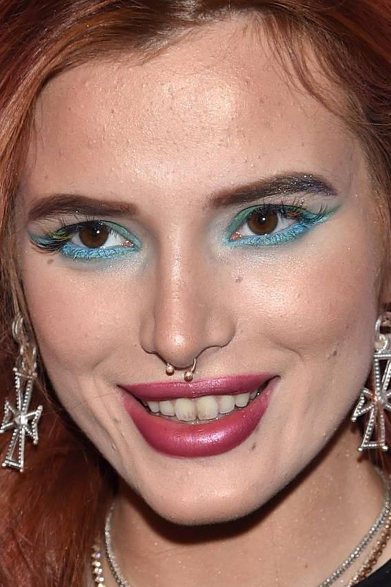 visage-celebrites-pres-bella-thorne