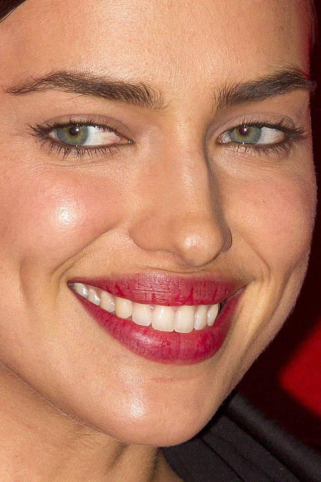 visage-celebrites-pres-irina-shayk