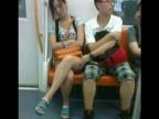 pervers-asiatique-dans-metro