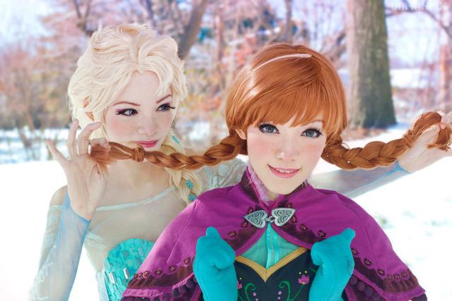 cosplay-elsa-anna-reine-des-neiges