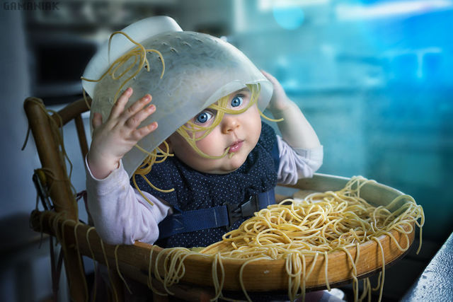 bebe-spaghettis-tete