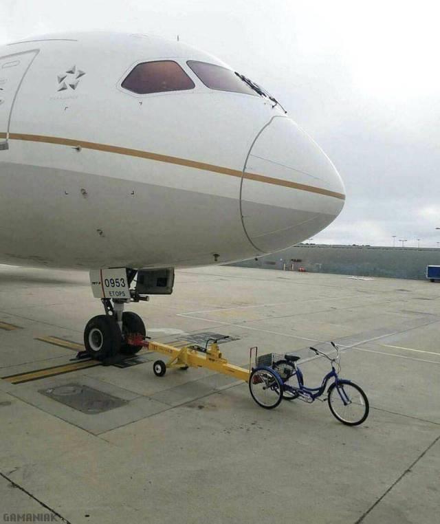 avion-tracte-velo