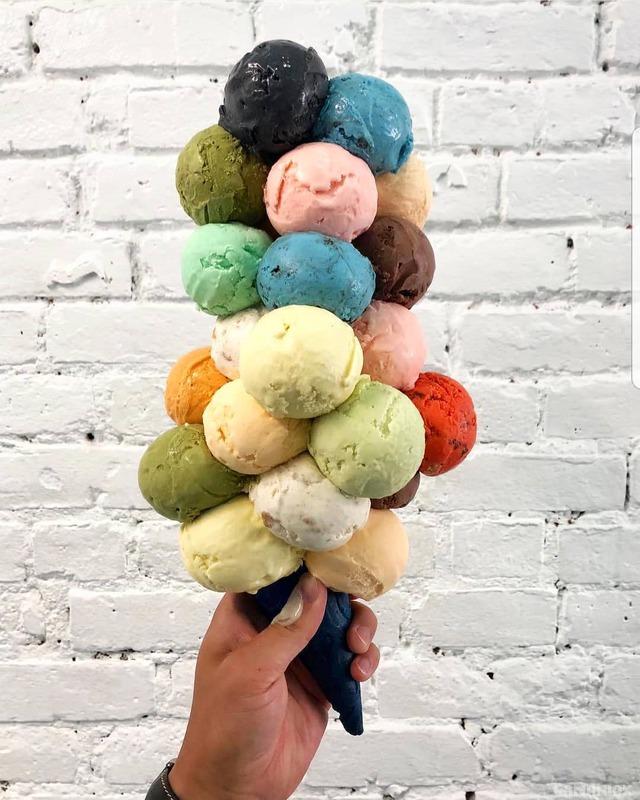 cornet-plein-boules-glace