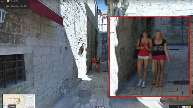 fille-3-pieds-google-street-view