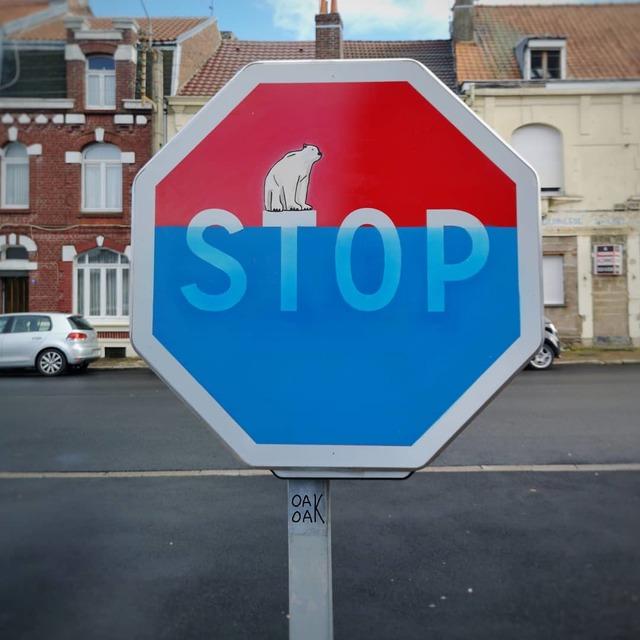panneau-stop-ours-polaire
