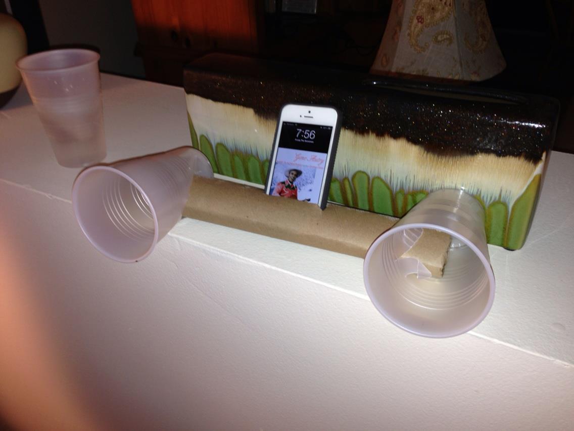 haut-parleur-gobelet-pour-iphone