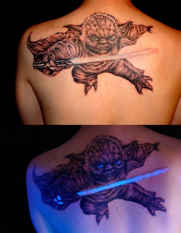 tatoo-yoda-qui-brille-dans-nuit