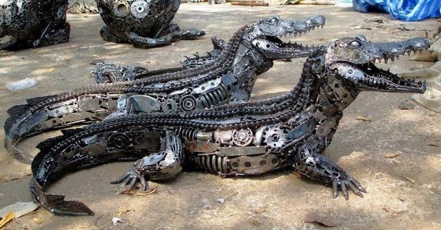 crocodiles-metal