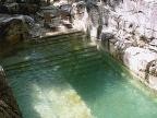 piscine-dans-lieu-ancien