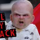 Un bébé en poussette fait peur aux passants