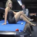 miniature pour Trickshots au billard avec une fille sexy