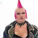 miniature pour Une punk se fait démaquiller en jolie fille