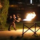 faire-peur-gens-lance-flammes