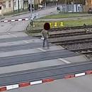 homme-manque-ecraser-train