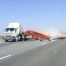 miniature pour Un camion russe perd son chargement façon Destination Finale