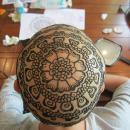 miniature pour Du henné sur le crane de femmes cancéreuses
