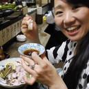 japonaise-mange-grenouille-vivante