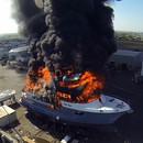 bateau-flammes-filme-quadcopter
