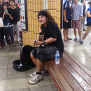 chanteur-rue-fait-chanter-metro-coreen