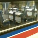 train-japonais-chaises-tourner