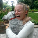 chien-tellement-heureux-evanouit