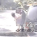miniature pour Un policier sauve une femme qui étouffe