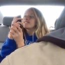 miniature pour Il filme sa fille entrain de faire des selfies