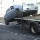 homme-reprend-voiture-camion-fourriere