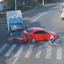 cycliste-milieu-collision-voiture-camion