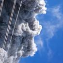 miniature pour Des randonneurs pris dans les cendres d'un volcan en éruption