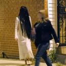 miniature pour Une fille morte fait peur aux gens dans la rue