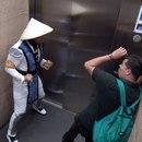 mortal-kombat-ascenseur-2