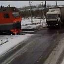 camion-glisse-verglas-percuter-2-trains