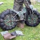 miniature pour Une moto tout terrain qui tient dans une valise