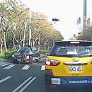 cycliste-taiwanaise-echappe-accident-voiture