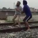 homme-suicide-ecrase-train