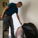 miniature pour Blague : Faire peur en sortant les poubelles