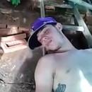 homme-bourre-endormi-bulles
