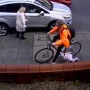 miniature pour Un enfant fonce contre un cycliste