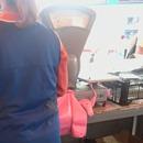 miniature pour Une vendeuse de marché qui triche avec la balance