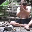 miniature pour Un homme se fabrique un abri dans la forêt
