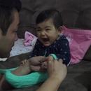 miniature pour Un bébé qui crie quand son père lui coupe les ongles