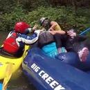 2-soeurs-bagarre-rafting